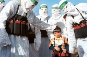 """Hamas """"Friedenskämpfer"""" mit Nachwuchs"""